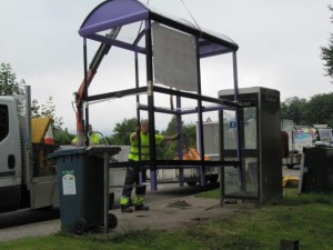 Installation of new bus shelter (3) - 18 08 2016